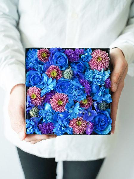 生花のボックスフラワー 青 M