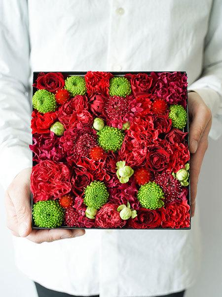 生花のボックスフラワー 赤 L