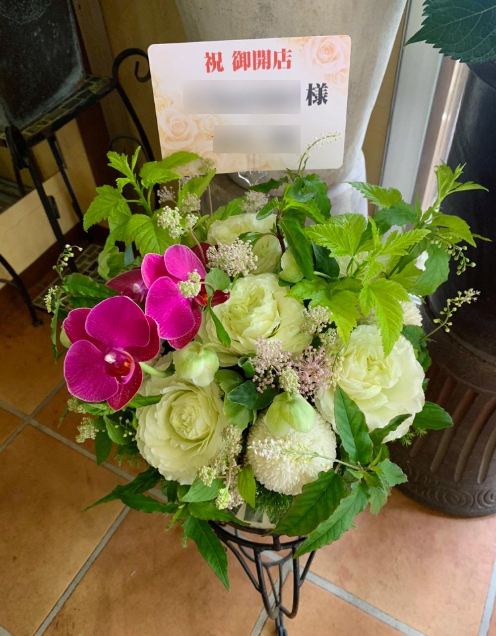 胡蝶蘭とバラを合わせたナチュラルアレンジ S