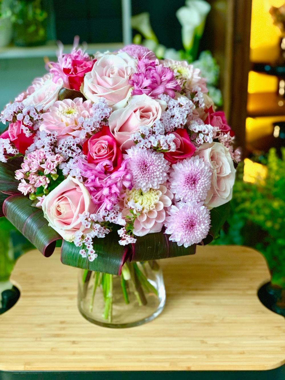 感謝の想いが込められたご出演者様へのピンクの花束