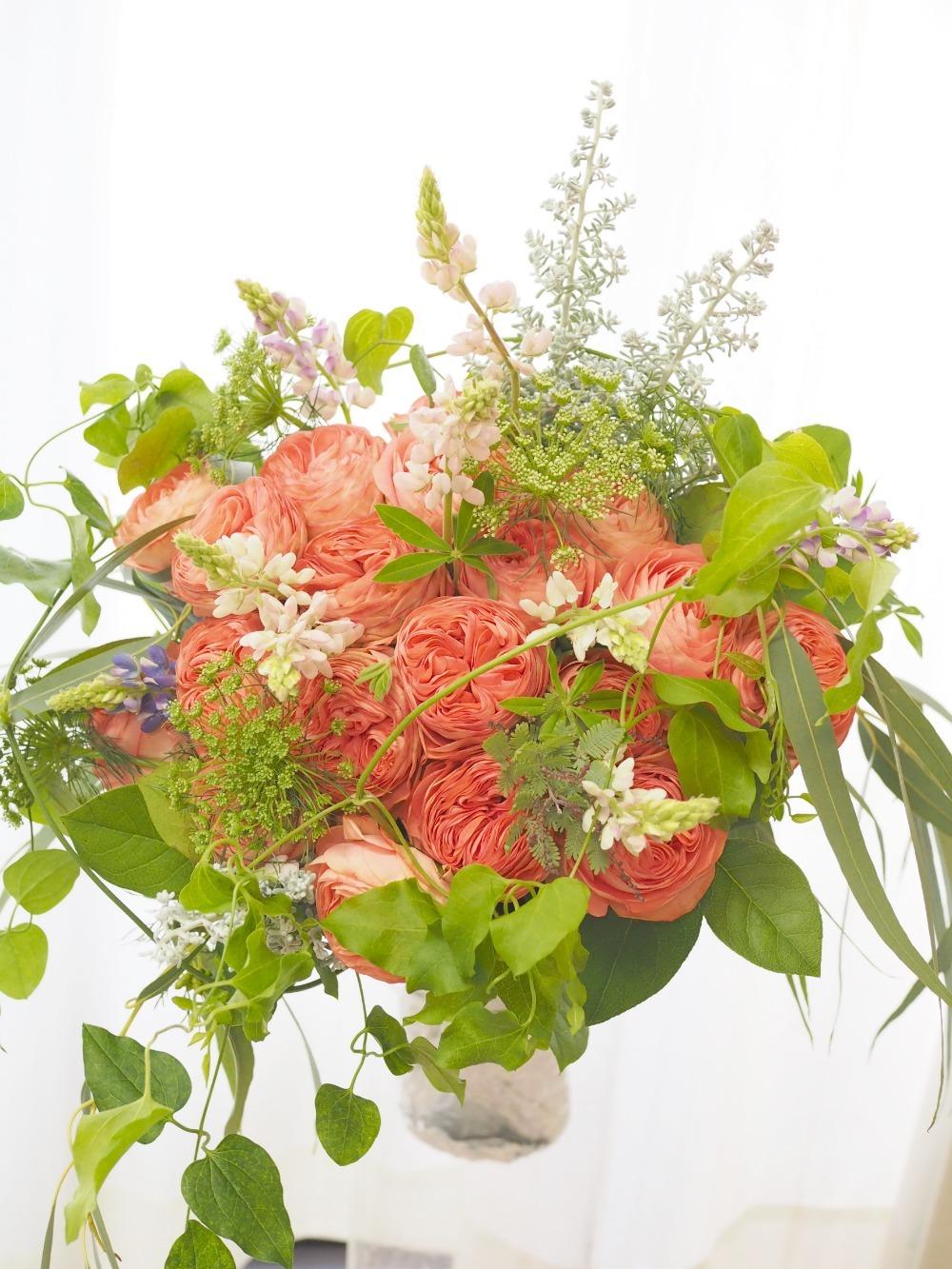 柔らかく芯のある女性へ お誕生日祝いの花束