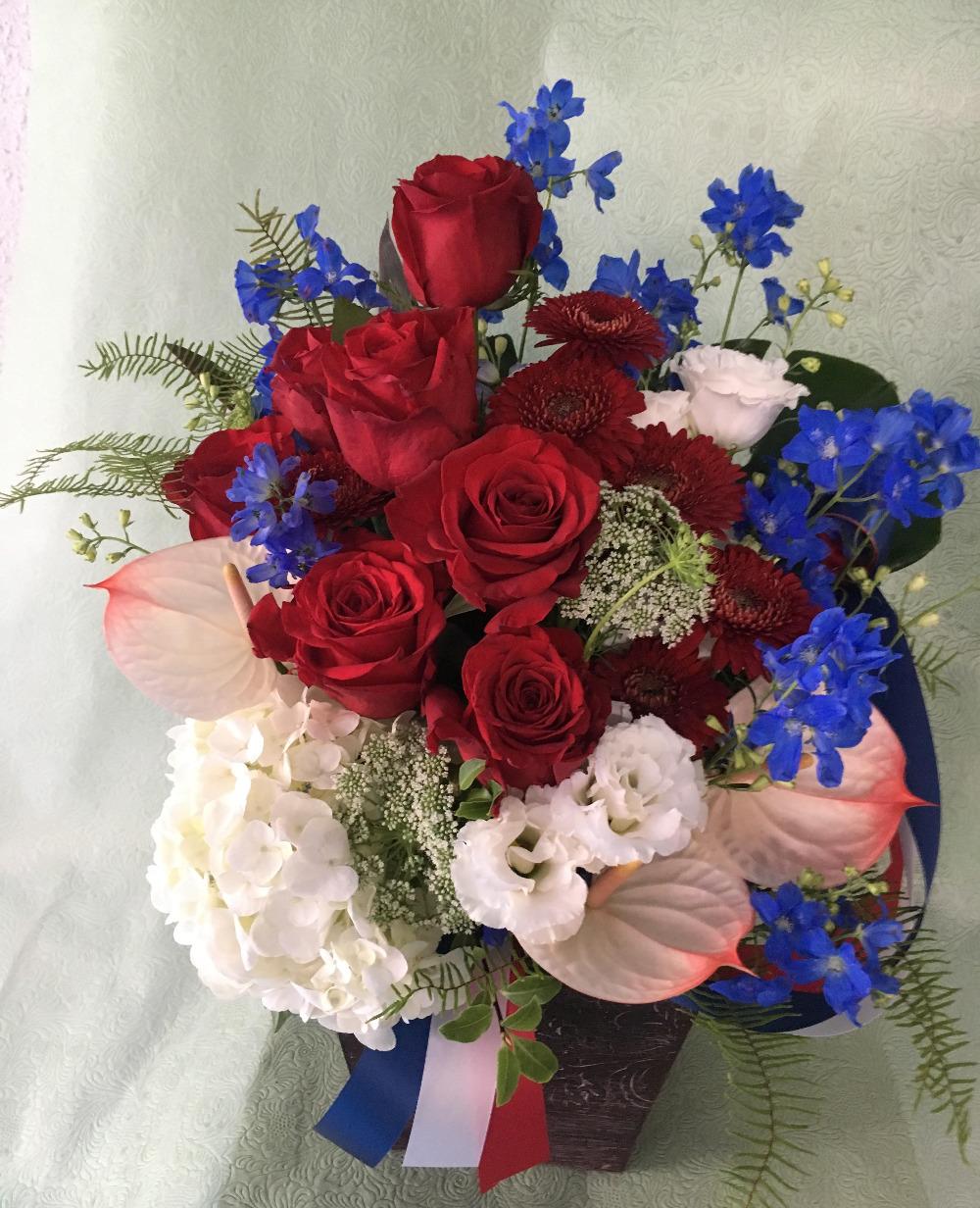 フランスカラーの法人様移転祝い花