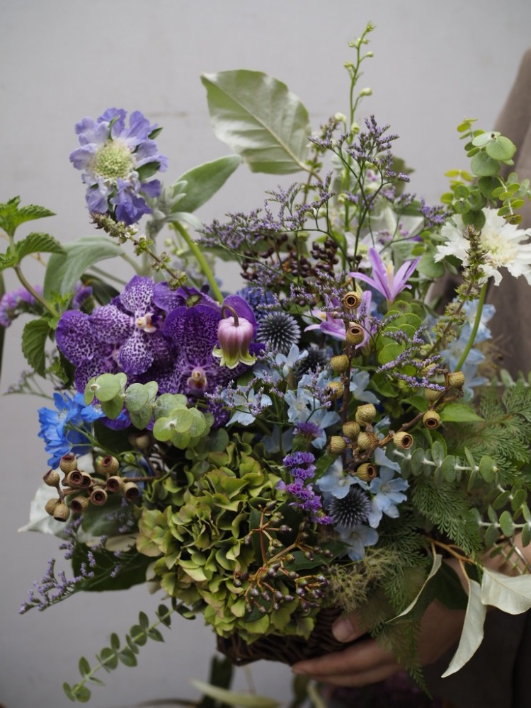 ブルーのナチュラルな開院祝い花