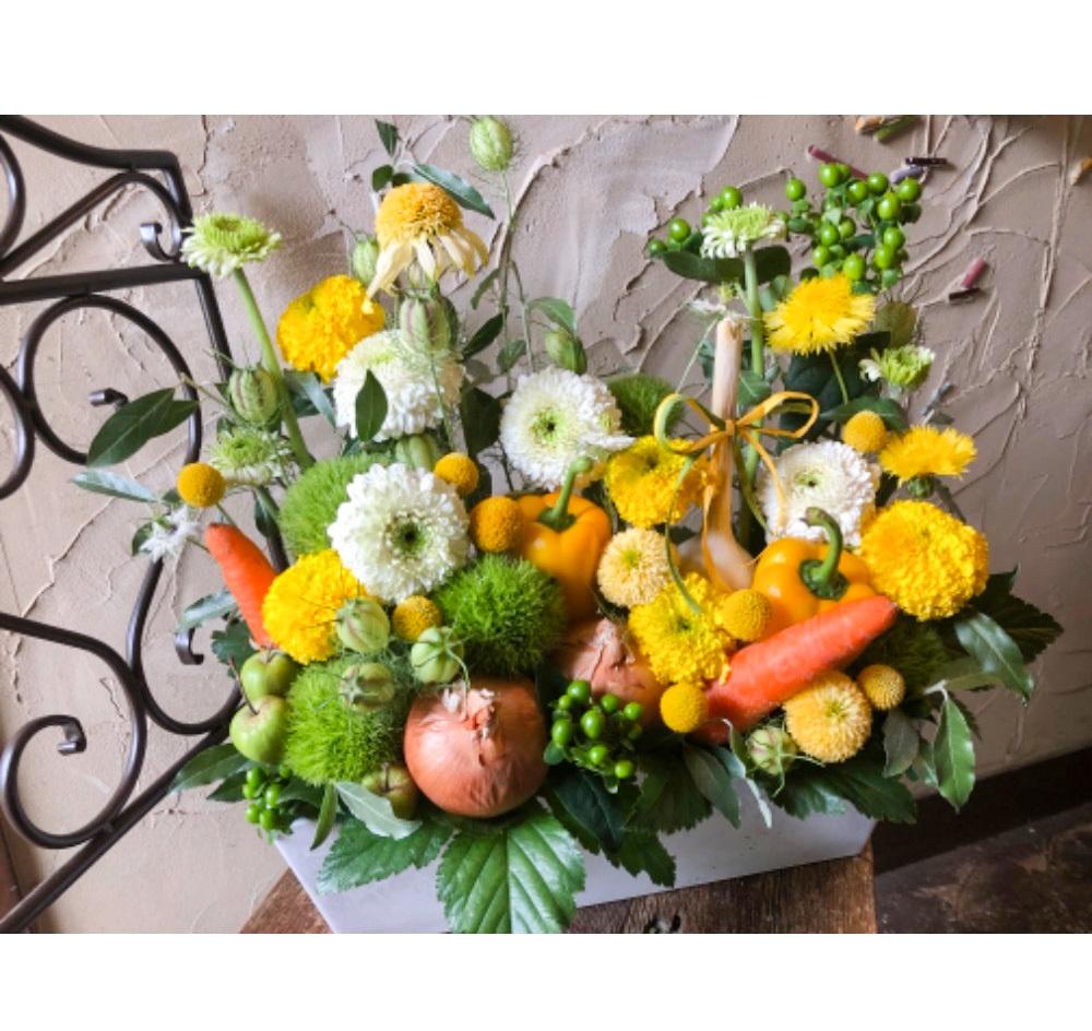 野菜と花のアレンジ 飲食店様お祝い花