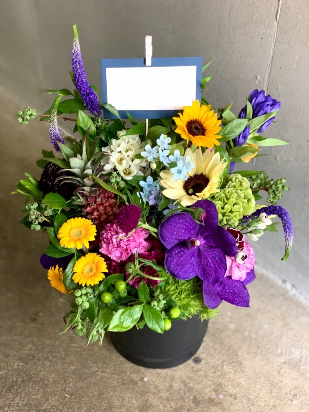 「ユニークな社風の会社様へ」移転・引っ越し祝い花