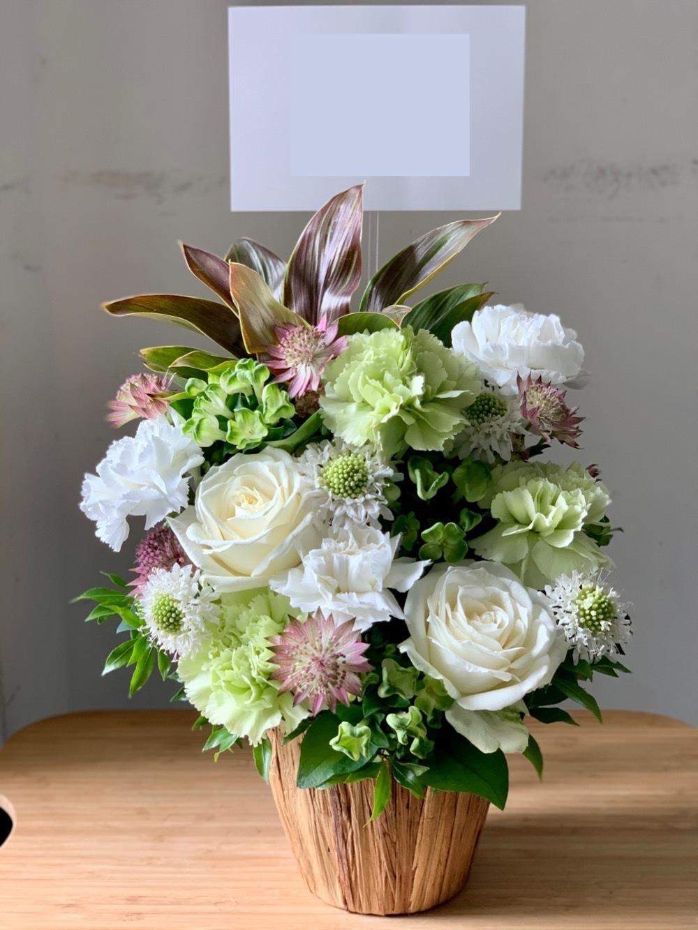 シンプルナチュラルな祝い花