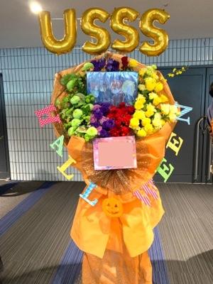 公演会場様へのバルーンスタンド花