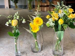 「自宅での誕生日祝いを華やかに、明るい気持ちで過ごせるように」お誕生日祝い花