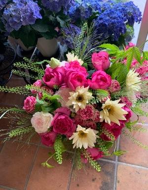 周年祝いにも人気の花束