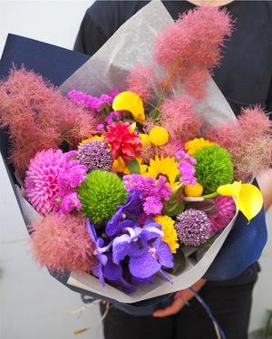 竣工祝い・落成祝いにも似合う花束
