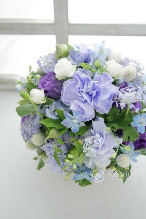 お好きな色・紫をメインにしたお祝い花