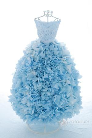 乃木坂46堀未央奈様のオンラインお話会に贈る 水色のドレスを再現したフラワードレス