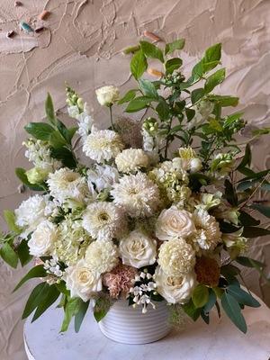 落ち着いた雰囲気の歯医者様への開院お祝い花