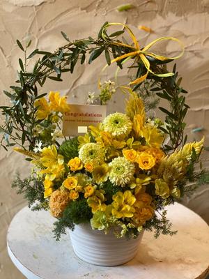 パーソナルジム様1周年お祝い花