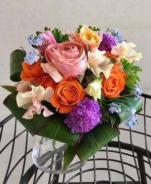開業祝い・開院祝いにも合う華やかな祝い花
