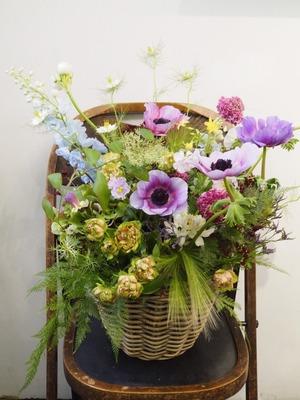 個展のお祝いにもピッタリ おしゃれでナチュラルな祝い花